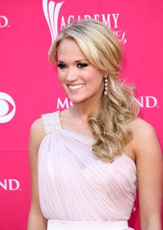 Carrie Underwood Photo - 44th Annual Academy Of Country Music Awards - Arrivals