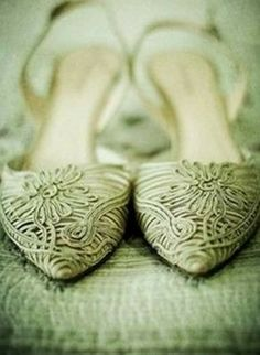 Ideas For Wedding Vintage Shoes Mint Green Summer Wedding Colors, Green Wedding Shoes, Mint Green Shoes, Pistachio Color, Green Summer Dresses, Apple Theme, African Print Dresses, Rustic Invitations, Vintage Shoes