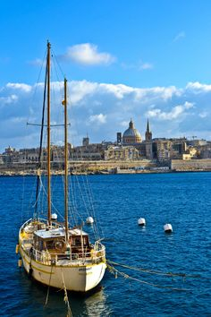Neem de #boot van #Valletta naar #Vittoriosa in #Malta! #travel. Foto: rtwin30days.com