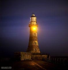 Roker Lighthouse, Sunderland. by Andy Μartin, via Flickr