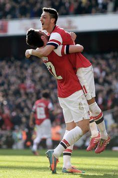 Olivier Giroud & Mesut Özil