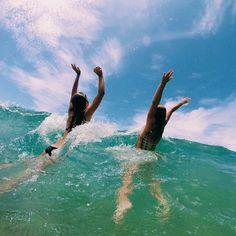 How to Take Good Beach Photos Summer Vibes, Summer Goals, Summer Aesthetic, Summer Bucket, Summer Photos, Beach Pictures, Tumblr Summer Pictures, Beach Pics, Alicante