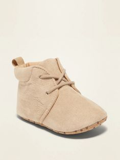 Old Navy Faux-Suede Desert Boots for Baby Cute Baby Shoes, Baby Boy Shoes, Boys Shoes, Desert Boots, Newborn Outfits, Baby Boy Outfits, Clarks, Yeezy, Leather Baby Shoes