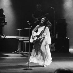 Lay (tamb茅m) fotografa! on Instagram: 鈥淎na Caetano, 13.03.2020 | Recife - PE #anavitoria #show #recife #anaclaracaetano鈥� Show, Singer, Wallpaper, Concert, Instagram, About Love, Recife, Woman, Photos