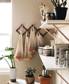 66 cozy small apartment decorating ideas on a budget 24 66 cozy sm. - 66 cozy small apartment decorating ideas on a budget 24 66 cozy small apartment decorat - Sweet Home, Small Apartment Living, Small Apartment Storage, Living Rooms, Minimal Apartment Decor, Cozy Apartment Decor, Small Appartment, Bright Apartment, Apartment Furniture