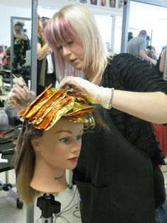 MOHH Hairdressing Training Academy. TinFoil Highlighting Techniques with JOICO colour. www.mohh.ie