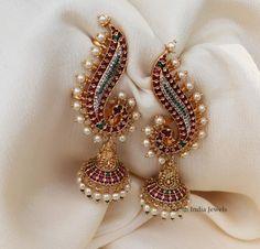 Jewelry Design Earrings, Gold Earrings Designs, Gold Jewellery Design, Ear Jewelry, Bridal Jewelry, Jewelery, Antique Jewellery Designs, Indian Jewelry Sets, Traditional Earrings