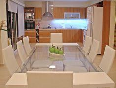 Mesa Atlantic 2.20x 1.00m. paraiso laq. banco Se combinan todos los muebles laqueados en blanco (incluso diferente madera) con los muebles de la cocina, en melamina color haya