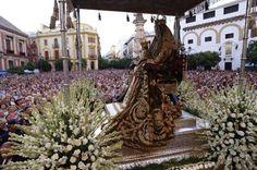 La Virgen de los Reyes, Patrona de Sevilla. Bride Of Christ, Southern Europe, Andalucia, Reyes, Barcelona Cathedral, Statue Of Liberty, Travel, Beautiful, Amor