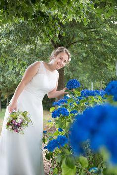 Top Wedding Trends, Wedding Cookies, Bridesmaid Gifts, Wedding Accessories, Wedding Ceremony, Floral Design, Wedding Decorations, Groom, Wedding Inspiration