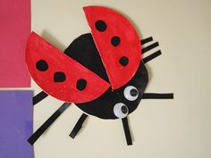Ladybug with beer mats. Beer Mats, Eric Carle, Diy Crafts, Shapes, Ladybugs, School, Insects, Make Your Own, Ladybug