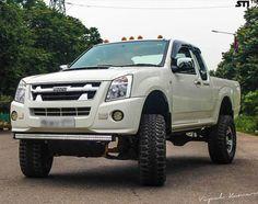 Pick-up Trucks white isuzu