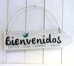 Letreros vintage   BIENVENIDOS PAJARITO Laundry Signs, Cool Fonts, Pallet Art, Ideas Para, Wood Projects, Decoupage, Diy And Crafts, Sweet Home, Room Decor