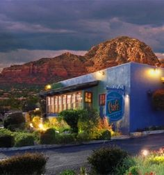 For over 20 years The Heartline Café in Sedona, Arizona has been a favorite place to dine with friends and family! The Café has an amazing selection of entrees that I love including fresh local farm raised Pecan Encrusted Trout or the Grilled Portobello.
