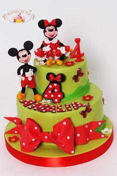Torturi - Viorica's cakes: Tort Minnie pentru Amalia Bolo Minnie, Mickey Mouse Cupcakes, Mickey Cakes, Baby Mickey, Mickey Birthday, Birthday Cake, Birthday Kids, Girl Cakes, Cake Art