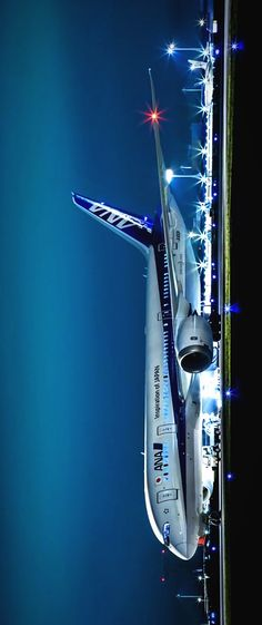 City Aesthetic, Travel Aesthetic, Airplane Wallpaper, Airplane Photography, International Airlines, Passenger Aircraft, Aerial Arts, Civil Aviation, Aircraft Pictures
