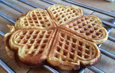 Julevafler med safran Breakfast, Food, Morning Coffee, Essen, Meals, Yemek, Eten
