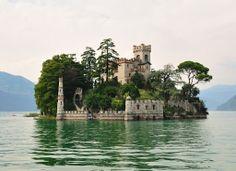 Isola di Loreto Castle, Italy