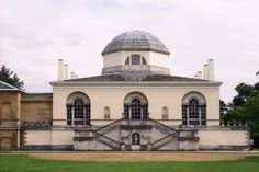 Chiswick House, made by Boyle and Kent, 1725, neoclassical, inspired by Palladio's Villa Rotunda, revival in classical style because of democracy and ideals, right angles, precise proportions, symmetry