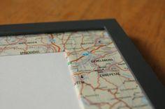Passepartout mit alter Landkarte beklebt.