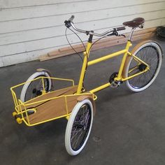 Another cargo carrier about to go out the door Tricycle Bike, Adult Tricycle, Trike Bicycle, Bicycle Quotes, Cycling Quotes, Velo Cargo, Bike Cart, Cycling Bikes, Cycling Art