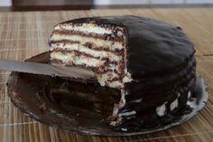 """Tort """"Ion și Maria"""" - un desert deosebit, cu blat fraged, bezea și cremă fină! Delicios de te lingi pe degete! - Bucatarul Tiramisu, Ethnic Recipes, Vertical Bar, Kitchens, Bakken, Tiramisu Cake"""