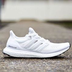 RESTOCK. Adidas Ultra Boost Triple White http://ift.tt/1hQ6HC5