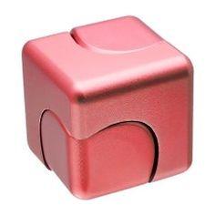 立方体タイプのハンドスピナーがヴィレッジヴァンガードオンラインから発売されてるみたい 貧乏ゆすりやペン回しがクセになってる人にはいいかもね 色はゴールドブラックレッドブルーの4色をラインナップ これ僕もほしいかも()