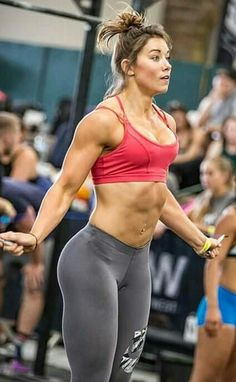 Crossfit Crossfit Chicks, Crossfit Women, Physique, Chico Fitness, Muscular Women, Muscle Girls, Female Athletes, Train Hard, Fitness Models