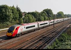 Net Photo: NA Virgin Trains British Rail Class 390 at London, United Kingdom by Bob Pickering (BP) High Speed Rail, British Rail, Electric Train, Speed Training, Electric Locomotive, Train Rides, Great Britain, Railroad Tracks, United Kingdom