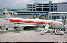 Trans World Airlines - TWA Boeing at Manchester-Ringway, May (Photo: R. Boeing 707, Boeing Aircraft, Domestic Airlines, Airplane Fighter, Best Airlines, Flying Boat, Commercial Aircraft, Civil Aviation, Airplanes