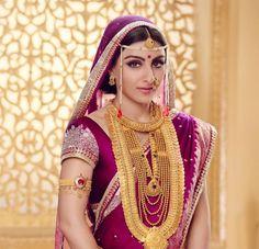 Fashion Essentials for a Maharashtrian. | weddingz.in | India's Largest Wedding Company | Maharashtrian Bride |