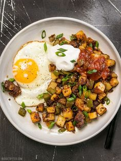 """This simple but tasty Chorizo Breakfast Hash is a breakfast classic. Perfect for your lazy weekend brunch, or even """"breakfast for dinner"""". Chorizo Breakfast, Breakfast Hash, Breakfast For Dinner, Paleo Breakfast, Breakfast Recipes, Mexican Breakfast, Breakfast Sandwiches, Pancake Recipes, Waffle Recipes"""