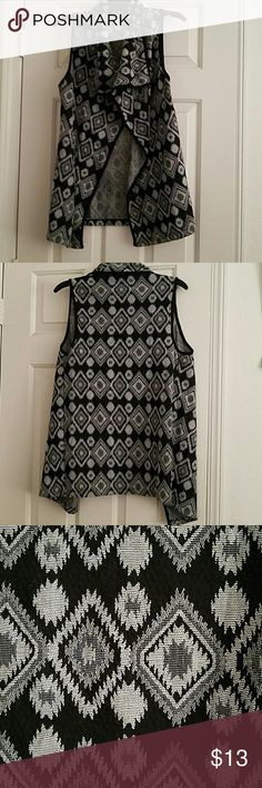 Cute lightweight sleeveless sweater Black and grey sleeveless cardigan, perfect with longsleeves and leggings Society Girl Sweaters