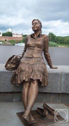 A Jurubeba Cultural:      ● A Arte... As esculturas urbanas.  (Escultura de Borovykh Vadim. Cidade  de Veliky,  Novgorod, Rússia)