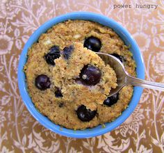 Blueberry-Banana Whole Grain Muffin! I cannot be humble about this muffin--it is SO GOOD! 10 grams of protein, 4 grams of fiber, and 192 calories! It makes a great big muffin; you will be happily full for hours :) Healthy Mug Recipes, Microwave Mug Recipes, Microwave Baking, Cooking Recipes, Healthy Foods, Diet Recipes, Microwave Meals, Apple Recipes, Healthy Desserts