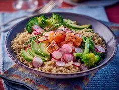 Bol santé au saumonBol santé au saumon Gourmet Recipes, Vegetarian Recipes, Healthy Recipes, Lean Cuisine, Love Eat, Healthy Salads, Food Inspiration, Entrees, Food And Drink