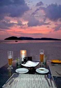 romantic-dinner-on-beach