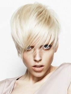 Statement Short Hair Styles 2012 - Hit the boardwalk with one of these statement short hair styles 2012. It's high-time to embrace an ultra-refined modern crop that allows you to experiment with a myriad of hair styling alternatives. Explore the versatility of this dimension by skimming through our parade of fab haircuts.