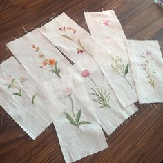 "27 Likes, 2 Comments - 프랑스자수 공방 작은숲 (@le_petitjardin) on Instagram: ""이 꽃들이 합쳐져서 하나의 이불이 ! 완성까지 으쌰으쌰  #자수이불 #프랑스자수이불 #embroidery #fleurs #broderie"""