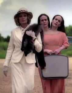 "Jessica Lange and Sarah Paulson in ""American Horror Story: Freak Show"""