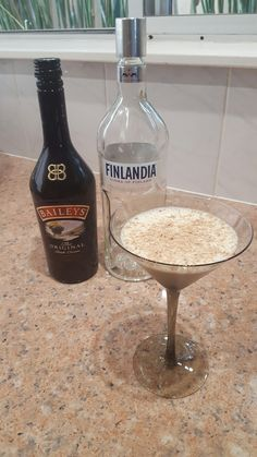 Chocolatini  75ml Bailey's, 25ml Vodka, Flaked chocolate to garnish. Shake with ice, serve in cocktail glass. Enjoy