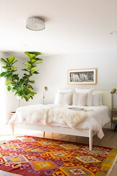 Making a home photo-shoot-worthy and creating an open-house frenzy is what Los Angeles-based fi...