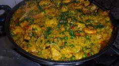 Paella mixta a mi manera. Ver receta: http://www.mis-recetas.org/recetas/show/42898-paella-mixta-a-mi-manera