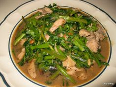 Stir Fry Morning Glory (Char Trokoun) This recipe is easy and cheap, all you need is water spinach which is what it is call in America, . All You Need Is, Cambodian Food, Cambodian Recipes, Bean Recipes, Healthy Recipes, Healthy Food, Yummy Food, Water Spinach, Asian Vegetables