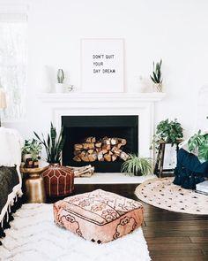 Cute boho living room and fireplace decor boho living room, living room decor fireplace, Boho Living Room, Interior Design Living Room, Home And Living, Living Room Decor, Dining Room, Modern Living, Living Room Inspiration, Home Decor Inspiration, Inspiration Quotes