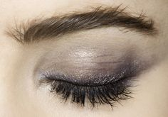 lamorbidezza: Makeup at Valentino Fall 2009 - runway makeup