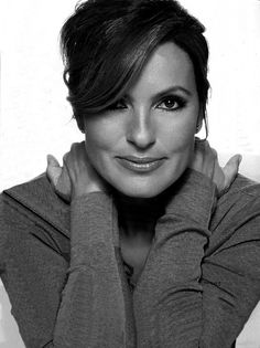 Max doesn't really look like her, but her facial structure is so stunning, and so is Max's ... so it's similar. // Mariska Hargitay