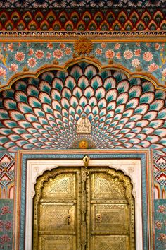 lizzy-jones:Golden Door, City Palace, Jaipur, Rajasthan, India...
