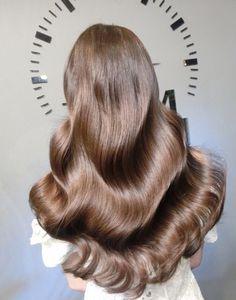 Very Long Hair, Long Curly Hair, Wavy Hair, Her Hair, Pretty Hair Color, Hair Color And Cut, Brown Hair Colors, Long Brunette, Brunette Hair